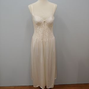 VINTAGE CACHET Lacey Nightgown, Cream, Size L